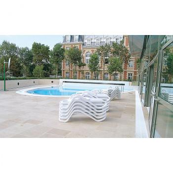 Bezpečnostní zrcadlo k bazénu, interiér