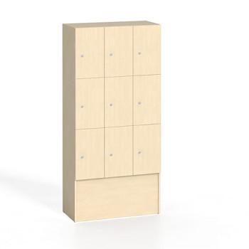 Šatní skříň dřevěná boxová