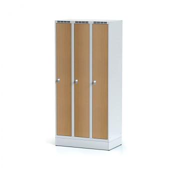 Šatní skříň, sokl, svařovaná,  3x buk dv./korp. šedá, zámek cylindrický