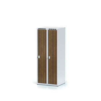 Šatní skříň, bez podnože, svařovaná,  2x ořech dv./korp. šedá, zámek cylindrický, nízká