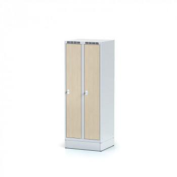 Šatní skříň, sokl, svařovaná,  2x bříza dv./korp. šedá, zámek otočný, nízká