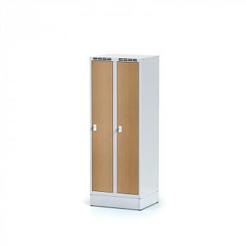 Šatní skříň, sokl, svařovaná,  2x buk dv./korp. šedá, zámek cylindrický, nízká