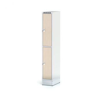 Šatní skříň boxová, sokl, svařovaná,  2x bříza dv./korp. šedá, zámek cylindrický