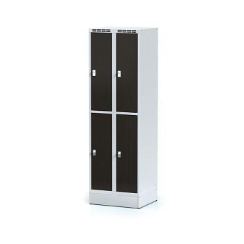 Šatní skříň boxová, sokl, svařovaná,  4x wenge dv./korp. šedá, zámek cylindrický, I