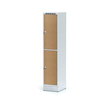 Šatní skříň boxová, sokl, svařovaná,  2x buk dv./korp. šedá, zámek cylindrický, I