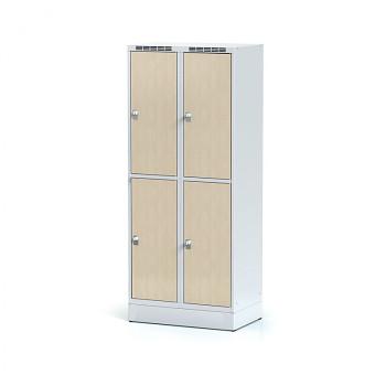 Šatní skříň boxová, sokl, svařovaná,  4x bříza dv./korp. šedá, zámek otočný, II