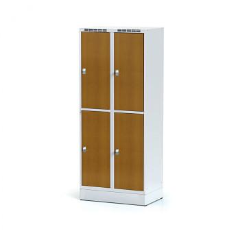 Šatní skříň boxová, sokl, svařovaná,  4x třešeň dv./korp. šedá, zámek otočný, II