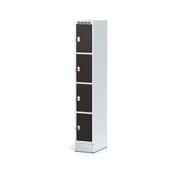 Šatní skříň boxová, sokl, svařovaná,  4x wenge dv./korp. šedá, zámek cylindrický