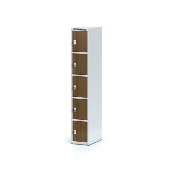 Šatní skříň boxová, bez podnože, svařovaná,  5x ořech dv./korp. šedá, zámek cylindrický