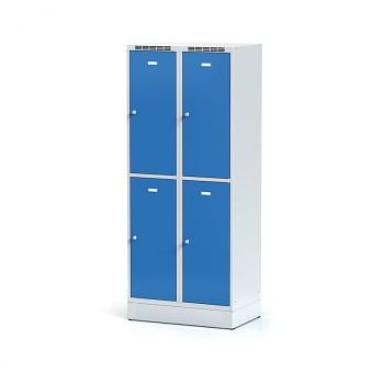 Šatní skříň boxová, sokl, svařovaná,  4x modrá dv./korp. šedá, zámek cylindrický, II