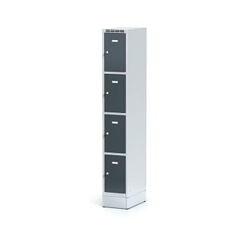 Šatní skříň boxová, sokl, svařovaná,  4x antracit dv./korp. šedá, zámek cylindrický